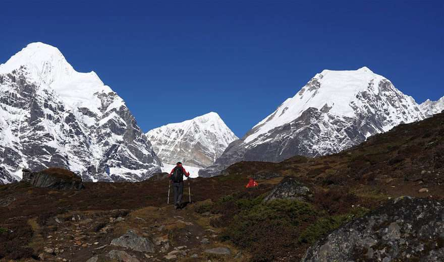 Makalu Base Camp Tea House Trek